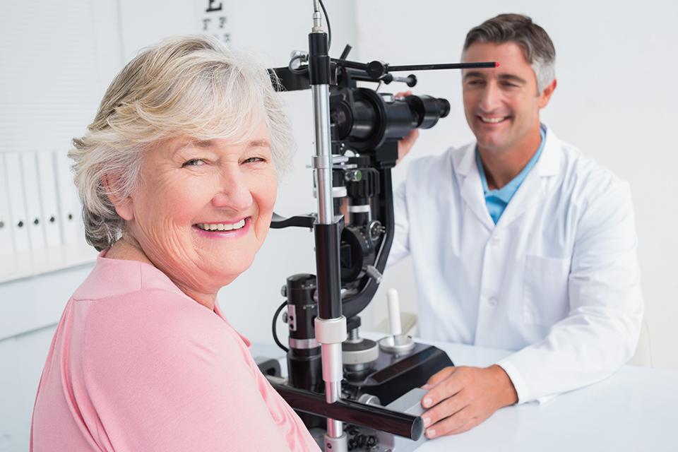mandlig læge kvindelig patient